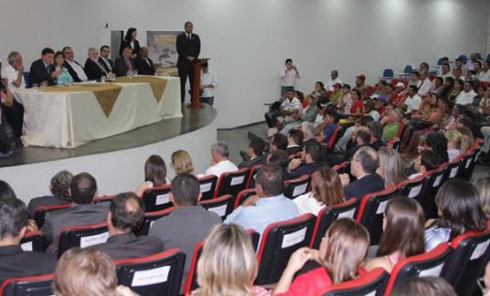 Crivella define repasse de terminal e assina acordo de cooperação na Paraíba